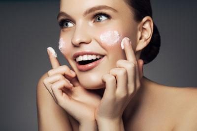 Основной уход за сухой чувствительной кожей лица