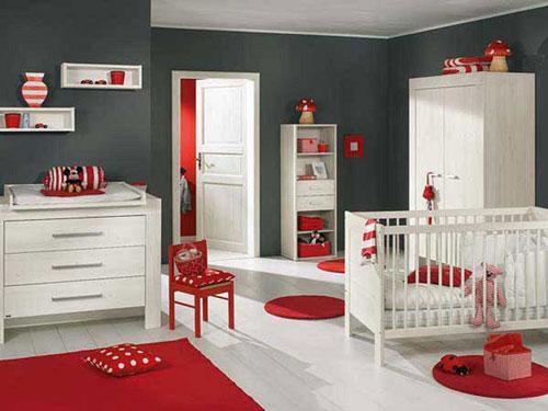 детская комната в красных цветах 4