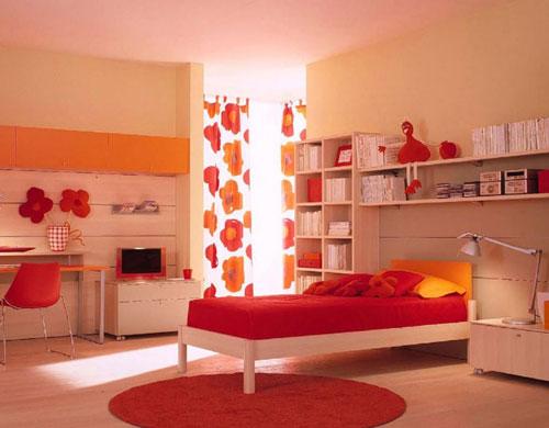 детская комната в красных цветах 3