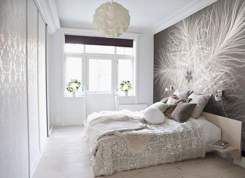 интерьер спальни в современном стиле в светлых тонах 7
