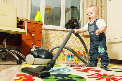 Как научить ребенка играть самостоятельно в 1 год