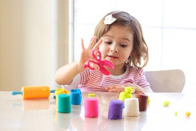 Как научить ребенка играть самостоятельно в 3 года