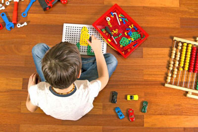 Как научить ребенка играть самостоятельно в 4 года