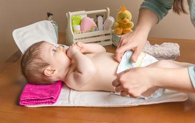 как ухаживать за новорожденным ребенком мальчиком в первый месяц