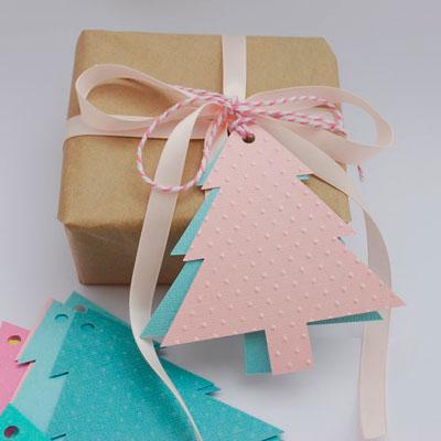 Как красиво упаковать подарки на Новый год послание на елочке