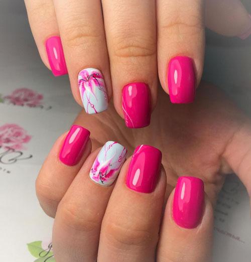 красивый маникюр в ярких расцветках на короткие ногти