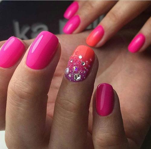 красивый маникюр в ярких расцветках на короткие ногти 5