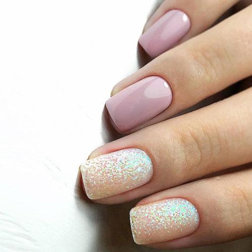 Маникюр с пудрой на короткие ногти 5