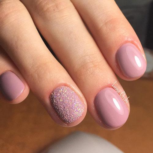 Маникюр с пудрой на короткие ногти 3