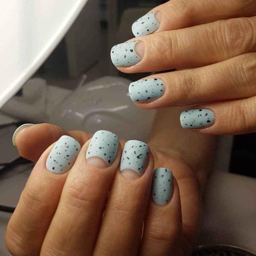 Перепелиный дизайн маникюра на короткие ногти 8
