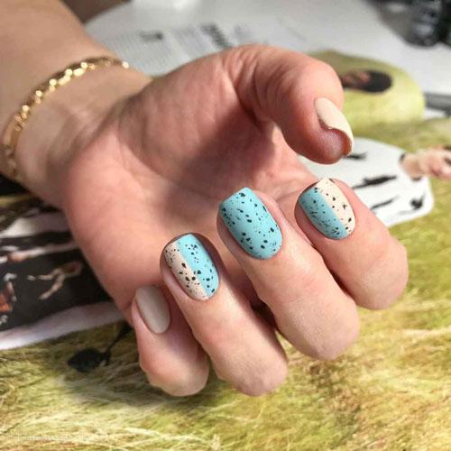 Перепелиный дизайн маникюра на короткие ногти 5