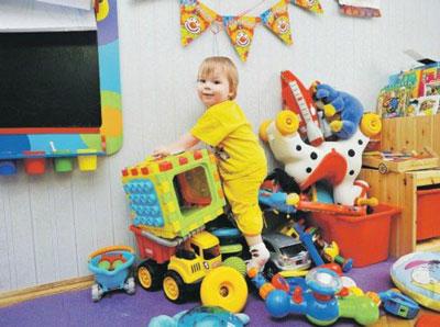 сколько должно быть игрушек у малыша в 1 год