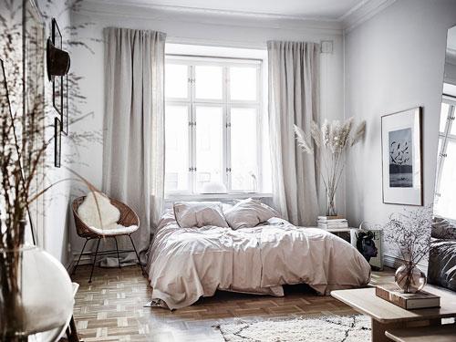 спальня в доме в скандинавском стиле 9