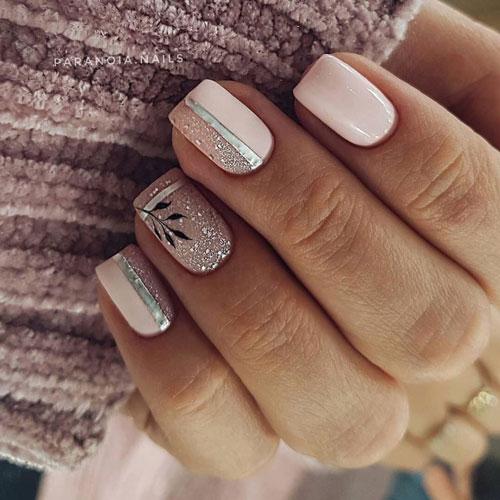 Стильные и изысканные варианты маникюра на короткие ногти 4