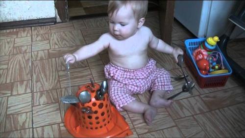 Чем занять ребенка дома в 1 год и 3 месяца