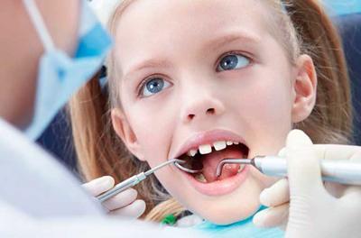 Что делать если шатается молочный зуб у ребенка в 7 лет