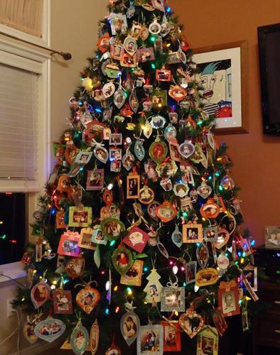 Идеи как красиво и оригинально украсить елку на Новый год 10