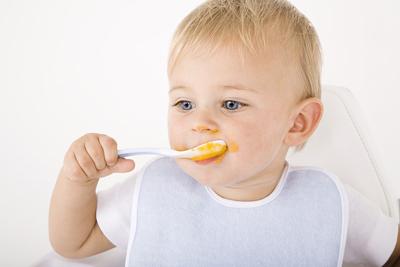 как быстро научить ребенка есть ложкой самостоятельно