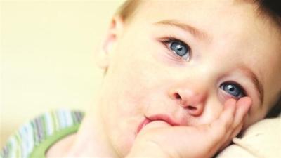 Как отучить ребенка сосать большой палец в 2 года