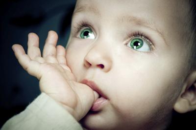 Как отучить ребенка сосать большой палец в 1,5 года