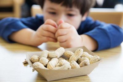 с каких орехов можно начинать давать ребенку
