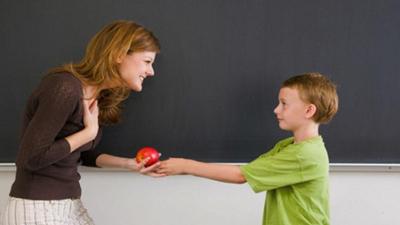 почему ребенок ябедничает учителю