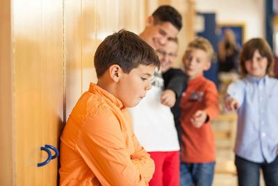 почему ребенок ябедничает родителям
