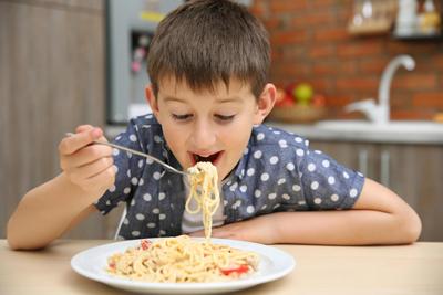 ребенок ест только макароны что делать