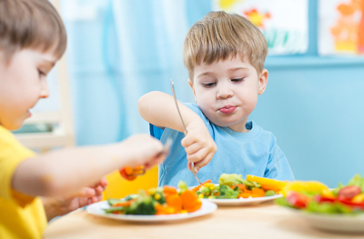 чем кормить ребенка аллергика в год