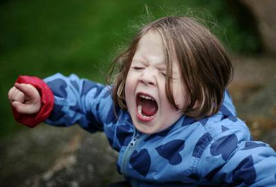 капризы ребенка в 1 год как реагировать