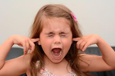 как реагировать на капризы ребенка 2 года