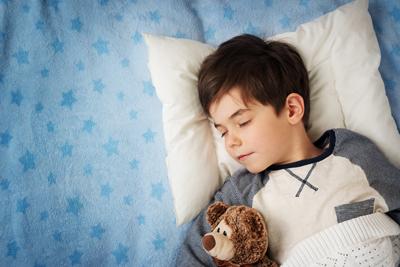 ребенок 2 года боится спать ночью