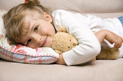 почему ребенок боится ночью спать
