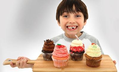 Ребенок переел сладкого 2