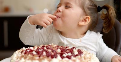 Ребенок переел сладкого