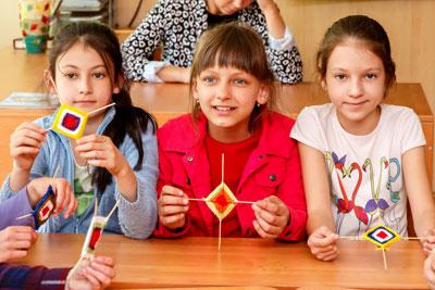 почему дети в 10 лет грызут ногти