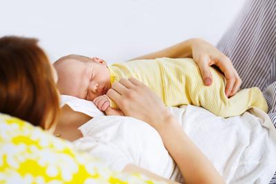 почему ребенок спит только на руках