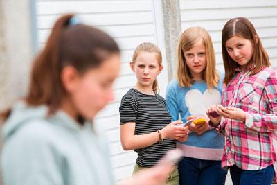 почему дети стыдятся своих родителей