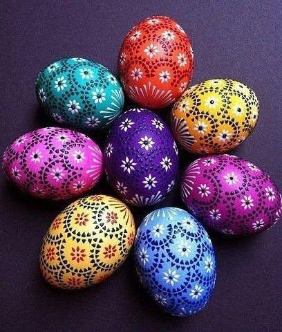 красим яйца на Пасху оригинальные идеи