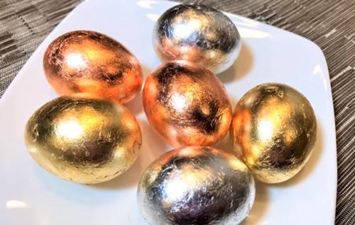 Как покрасить яйца золотом на Пасху 2