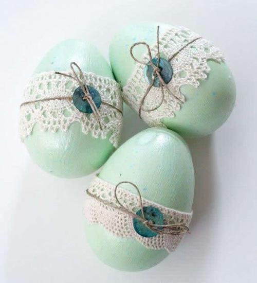 как украсить яйца кружевом на Пасху