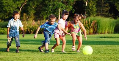 в какие игры поиграть с детьми на свежем воздухе