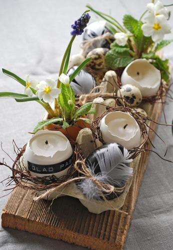 украшение стола пасхальными свечами 3