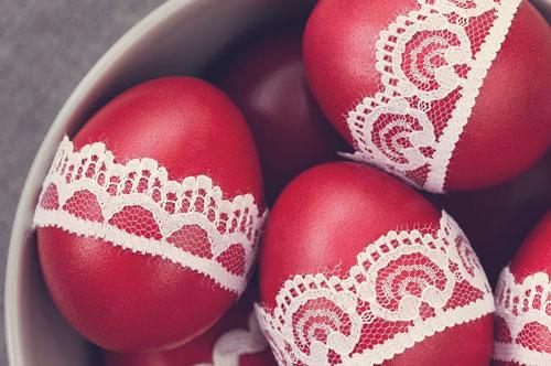 как пошагово покрасить яйца луковой шелухой
