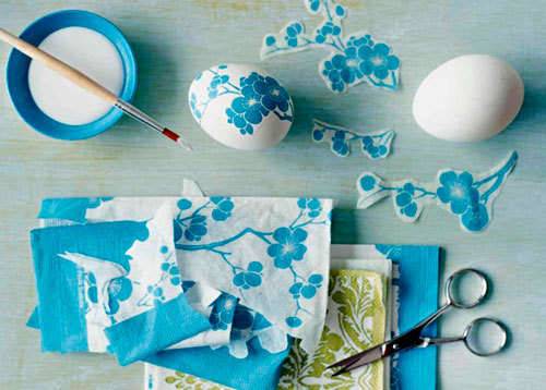как покрасить яйца на Пасху салфетками