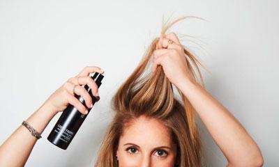 Сделать объем у корней на средние волосы с помощью сухого шампуня