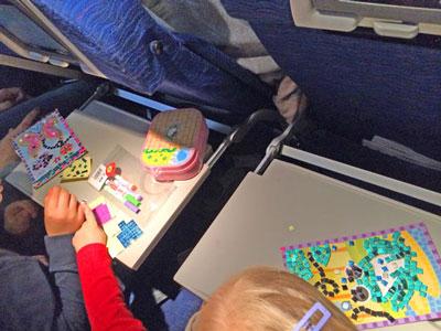 чем занять ребенка 8 лет в самолете