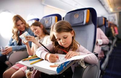 чем занять ребенка в самолете 1 год
