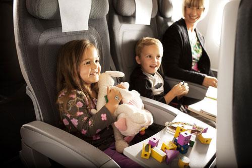 чем занять ребенка в самолете 5 лет