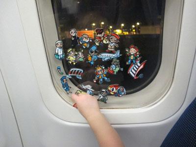 чем занять годовалого ребенка в самолете